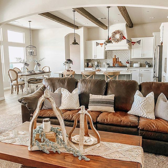Creating a Farmhouse Vibe With Your Existing Essentials