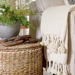 Cotton Throw Blanket With Pom Pom Tassels