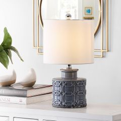 Interlock Pattern Ceramic Table Lamp