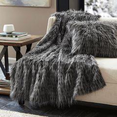 Luxurious Faux Fur Throw Blanket Black