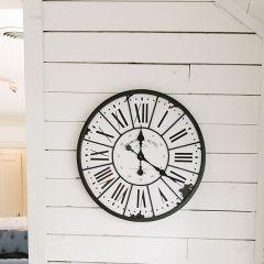 Round Printania Hotel Paris Clock