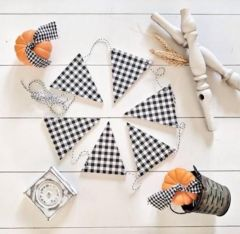 Classic Gingham Wood Triangles Banner