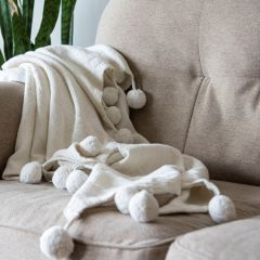 Classic Woven Throw With Poms