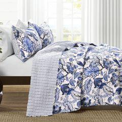 3 Piece Floral Pattern Quilt Set