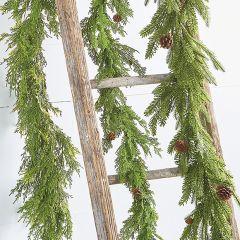 Holiday Cedar And Pinecone Garland